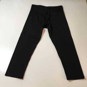 Onzie Black Capri Leggings Women's Size S/M